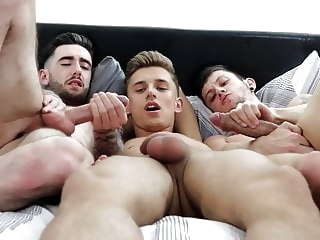 twink (gay) Ruining a Tight Ass (Threesome) amateur (gay)