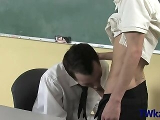 hot school fuck between gays