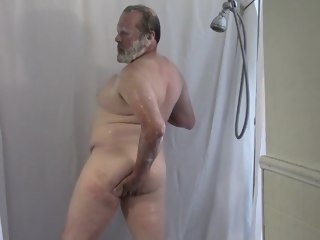 bear Shower Time for Daddy. voyeur