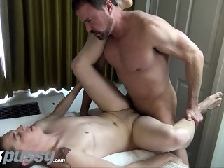 cumshot (gay) Inked FTM jock gets fucked by Daddy dick after hot oral swap gays (gay)